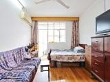 彭浦好房卧室带阳台近一号线四楼简单装修明户型