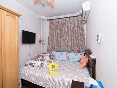 次卧室和厨房和卫生间朝北,全明格局,采光无遮挡,现在自住很干净,进门