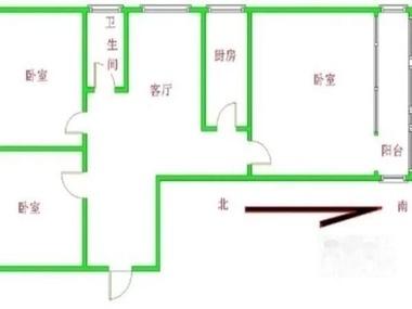 主臥朝南帶陽臺,采光充足,客廳,衛生間,廚房朝東,有窗戶,通風好;兩個