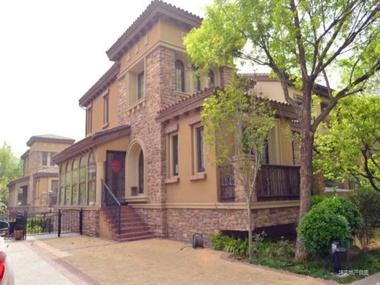 龙湖香醍漫步花园洋房别墅,南北通透带露台,欧式装修业主自住