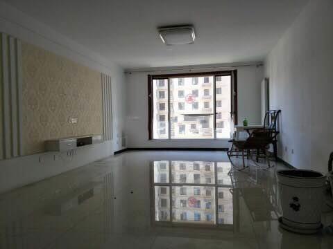 维多利亚一期中间楼层南北通透大三室-室内图-1