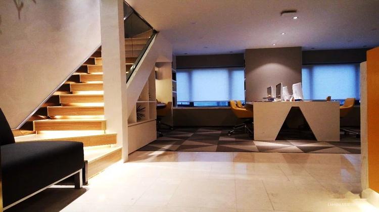 中迪广场,杨家坪,步行街,loft公寓,层高5米1,可隔层