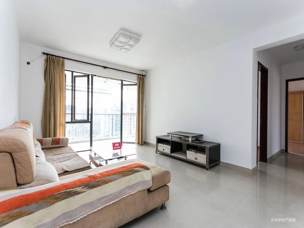 碧海湾,泰华阳光海,高层大3房,客厅出大阳台看小区泳池